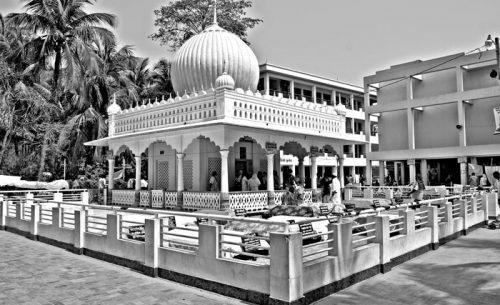 শাহ ইরানি মাজার